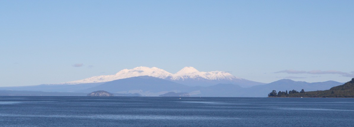 lake-taupo-during-winter-mt-ruapehu-is-in-the-distance-picture-id176012480.jpg